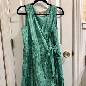 Spring-y green polka dot dress w/twirly skirt